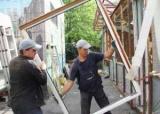 На вулиці Шумського знесли хостел